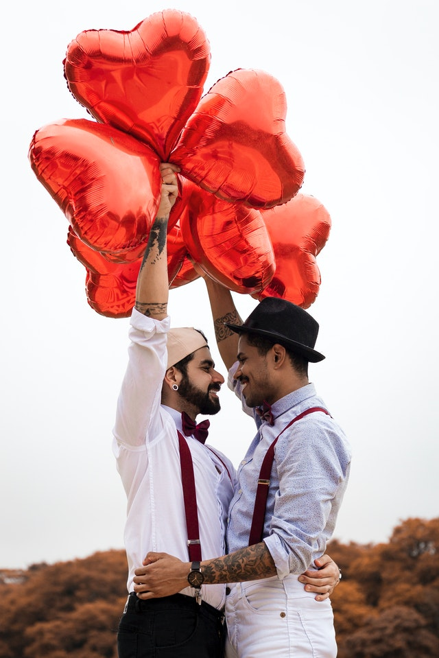 wedding trends for 2020 giant balloons